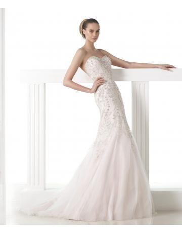104 best Brautkleider images on Pinterest | Gown wedding, Wedding ...