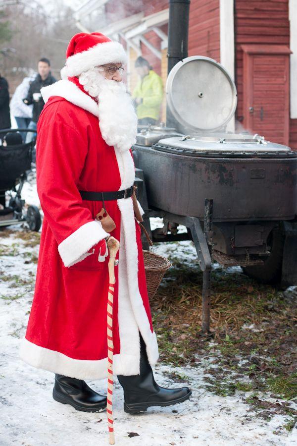 Metsänkylän Joulumarkkinat 2013 ja joulupukki