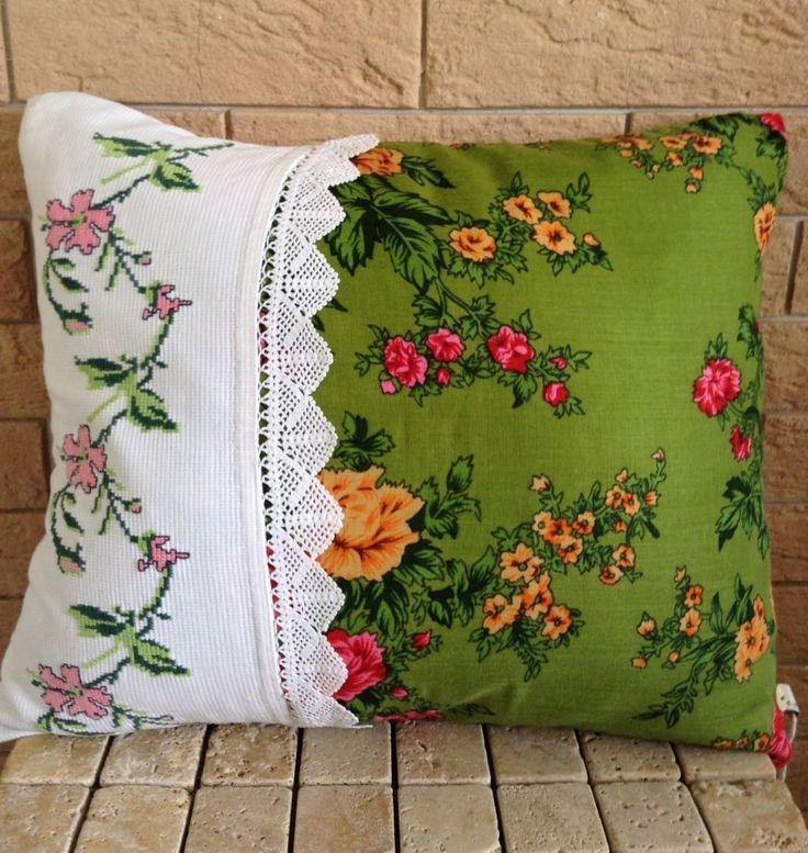 Cute pillow! Kanaviçe otantik yastığı Zet.com'da!