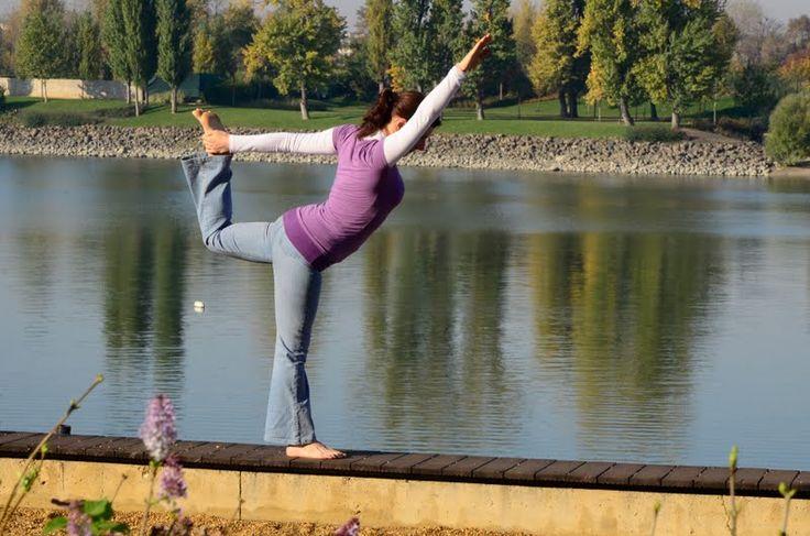 Nataradzsászana www.eljharmoniaban.hu #kezdőjóga #hathajóga #jógatanfolyam #jóga #jógabudapest #meditáció #meditációstanfolyam  #jógastúdió #yogabudapest  #yoga #yogabudapest  #eljharmoniaban  #vitaikati #purusa  #yogapose #asana #ászana #stone  #natarajasana #nataraj #natarádzsászana