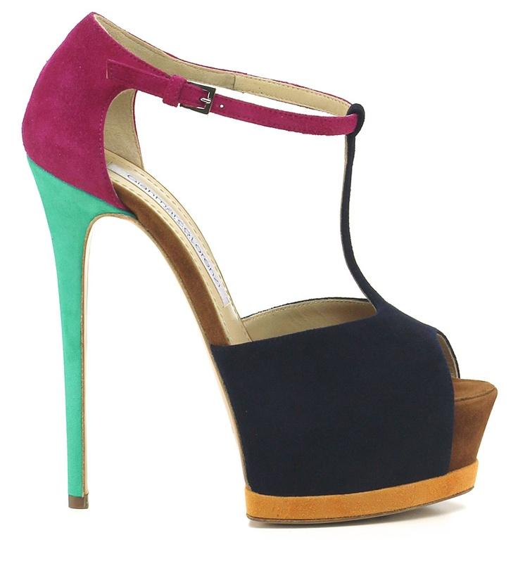 Sandalo alto in camoscio con suola in cuoio. Tacco 150, platform 45 con battuta 105. Cinturino con fibbia alla caviglia. COLOR: BLU\FUXIA\TURCHESE DEPARTMENT: Women DESIGNER: GIANMARCO LORENZI - Le Follie Shop