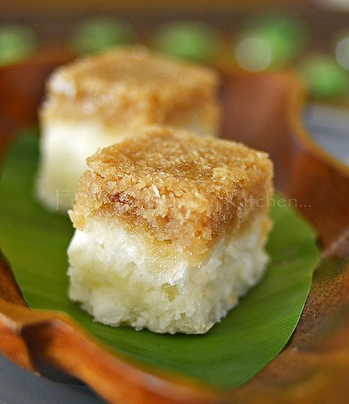 Cassava with Sweet Coconut Toppings ~ an excellentbite to your afternoon tete-a-tete with your good friend over a cup of dark roast Malaysian coffee
