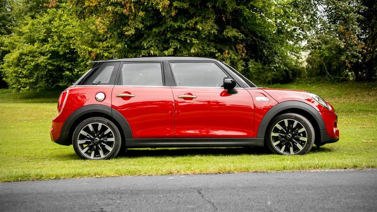 2015 Mini Cooper S Hardtop 4 Door profile