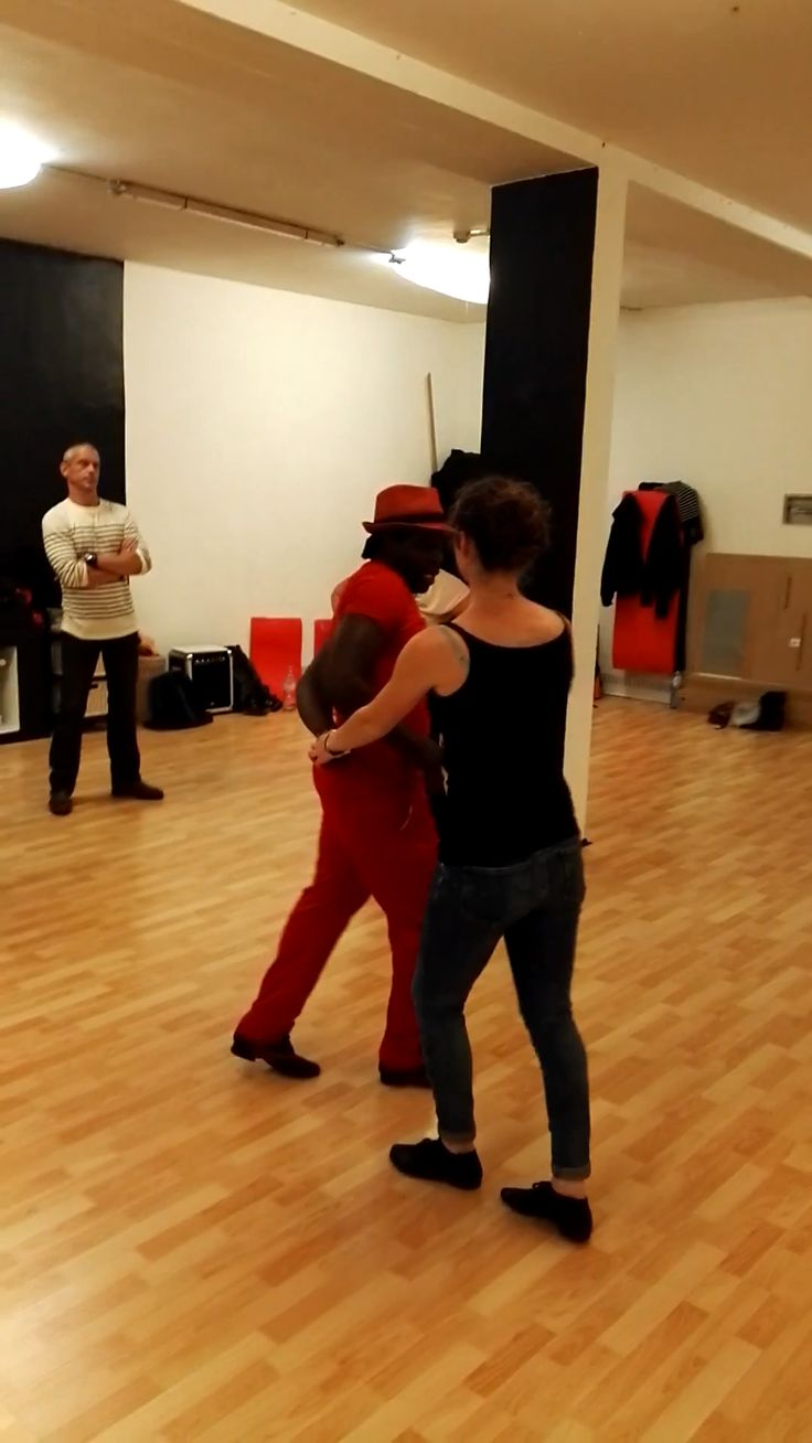 Mambo Dance School Brussels [Video] (With videos