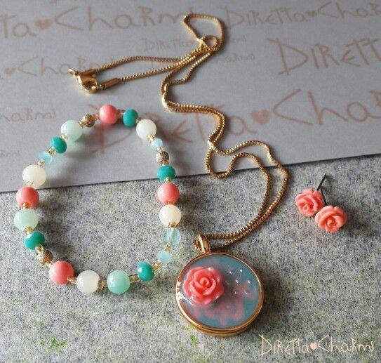 Set en acero con dije en resina hecho a mano. Pulsera en perla de vidrio. Pidelo en el color que prefieras. $38.000 cop  Diretta ♡ Charms Accesorios que resaltan tus encantos. Info wtp +57 3127080891  #DirettaCharmsAccesorios #DirettaAccesorios #Diretta #diseños #unicos #colombia #cartagena #menta #coral #flowers #rosa #rose #bello #cute #beauty #hermoso #accessories