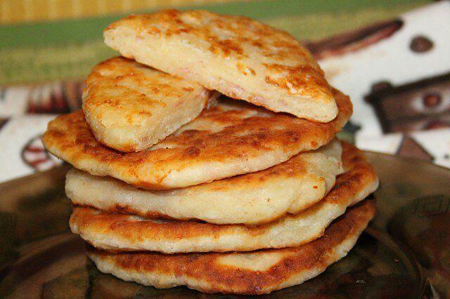 Самые вкусные рецепты: Сырные лепешки