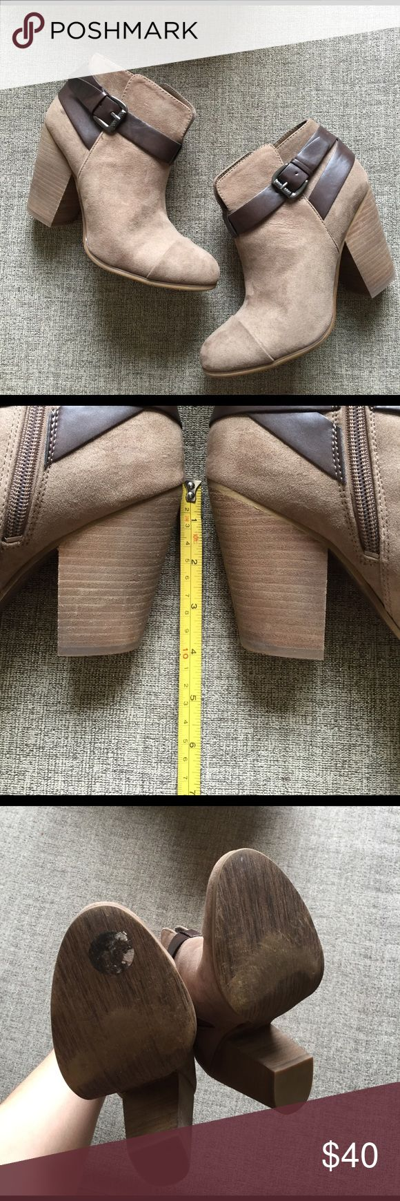 Booties Size 7. I have the original box. Only wore twice. Comfortable and stylish. Carlos Santana Shoes Ankle Boots & Booties