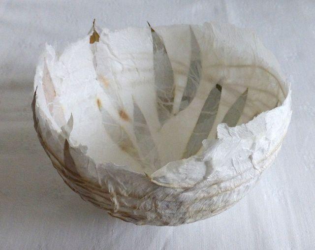 Papierschale mit Blättern - paper bowl with leaves | Flickr – Compartilhamento de fotos!