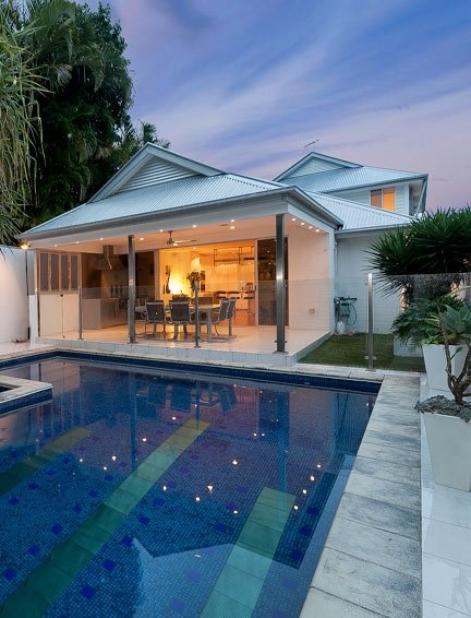 Perfect brisbane backyard level grass play area amazing for Outdoor pools open