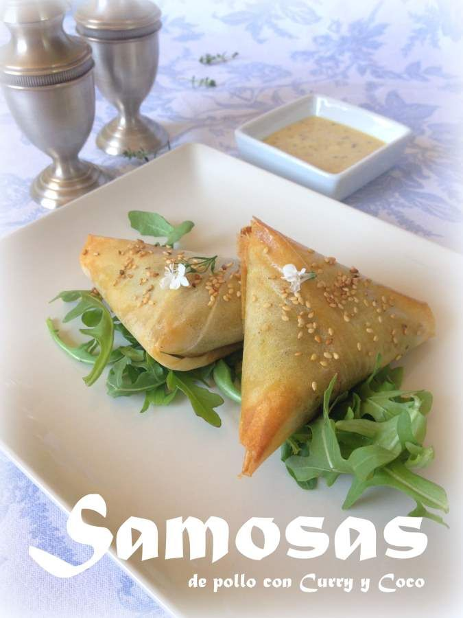 Samosas de pollo y curry