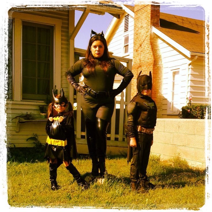 Halloween #familycostumes #catwoman catwoman