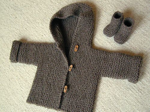 So adorable. I also need to make this. I need more babies to knit for! Have more babies, friends and family!