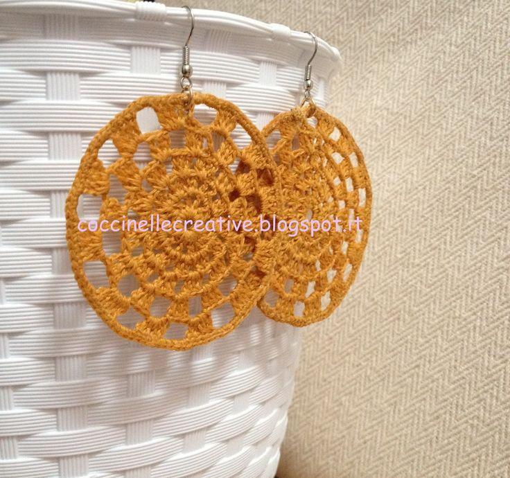Orecchini pendenti giallo uncinetto, per informazione ⇩  http://coccinellecreative.blogspot.it/2013/10/orecchini-pendenti-realizzati-uncinetto.html