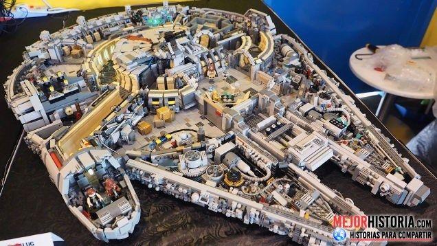 """El halcon milenario de Lego es uno de los packs mas grandes e impresionantes de la marca de juguetes. Pero esta claro que no es un pack que pueda sacarse a la venta a un precio razonable, pero esto no es problema para los fans de lego """"Titans Creations"""""""