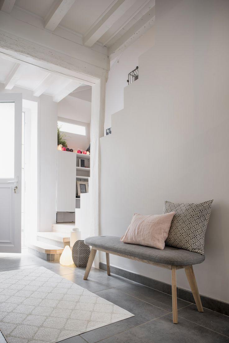 Les 350 meilleures images du tableau entr e et couloir sur for Decoration entree de maison avec escalier