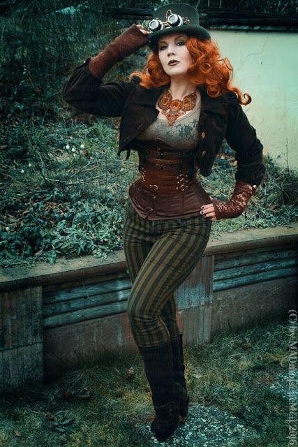 Steampunk Style Tip - How to Build an Outift Around a Necklace - For costume tutorials, clothing guide, fashion inspiration photo gallery, calendar of Steampunk events, & more, visit SteampunkFashionGuide.com Steampunk Fashion http://steampunko.com/