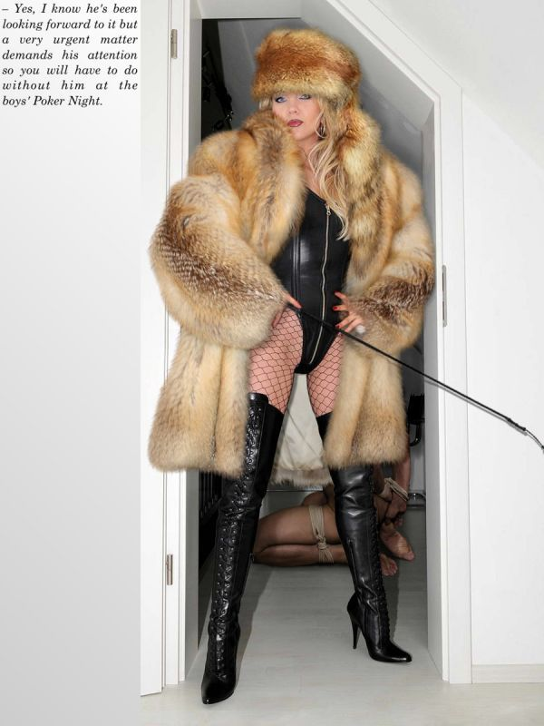 Women with fur clothing porn — 11
