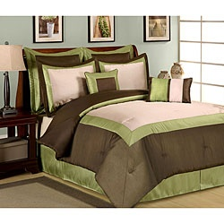 @Overstock - This luxurious comforter set in shades of green, brown and beige will provide a lavish look to your bedroom decor. This set comes with coordinated shams, Euro shams, and accent pillows.http://www.overstock.com/Bedding-Bath/Hotel-Green-8-piece-Comforter-Set/5880543/product.html?CID=214117 $70.99