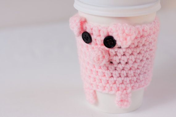 Crochet pig: Cute Cups, Crochet Projects, Cute Ideas, Coffee Cups Cozy, Cozy Memorial, Cute Pigs, Pink Pigs, Cozy Memorial Cups, Crochet Pigs