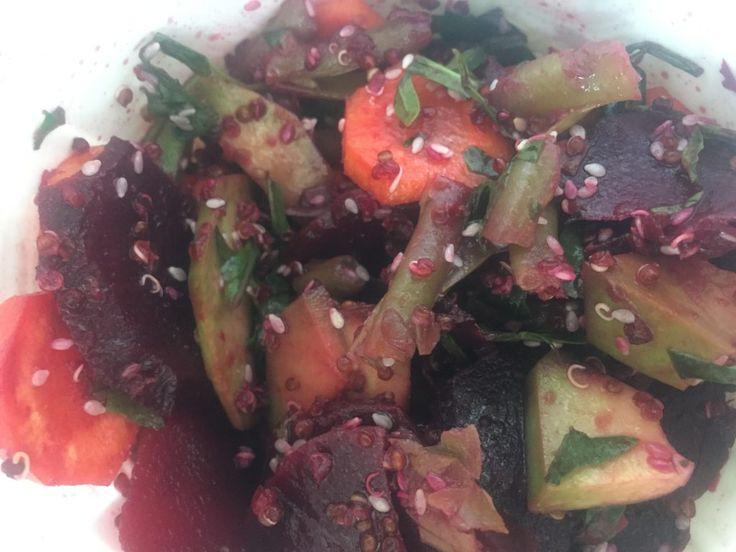 Salata de Iarna cu Sfecla Rosie si Quinoa