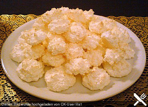 Kokosbusserl, ein sehr leckeres Rezept aus der Kategorie Kekse & Plätzchen. Bewertungen: 61. Durchschnitt: Ø 4,5.
