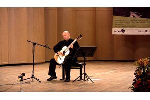 ジミ・ヘンドリックスに捧げたクラシック・ギターの名手によるパフォーマンス映像が話題に - amass