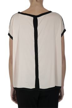 Camicia in seta elasticizzata #Jucca Chiusura con bottoni sul retro. Color cipria #moda #fashion