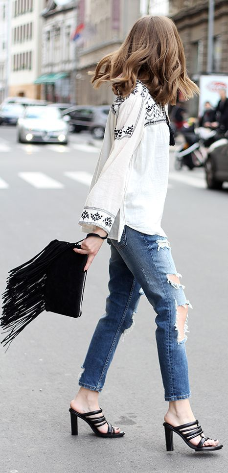 embroidered top. boho street style.