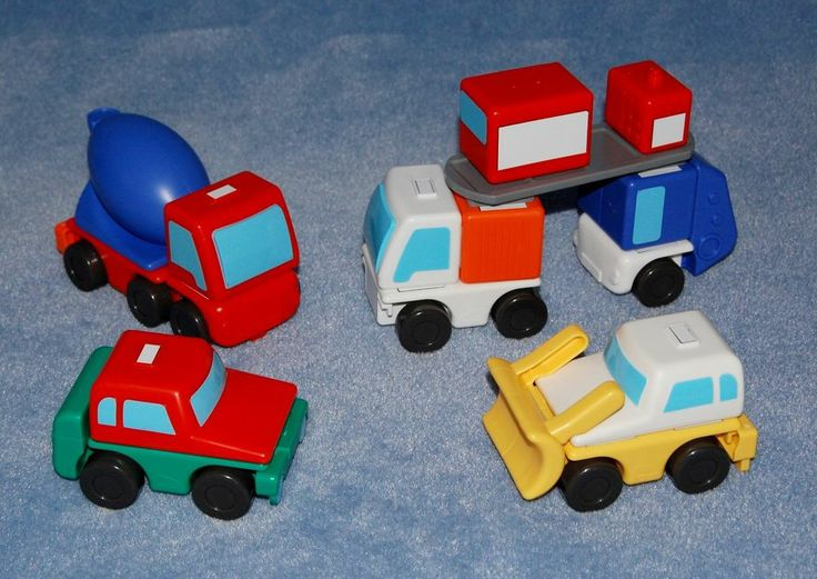 Magna Tiles Working Trucks 22 Piece Building Magnetic Toy