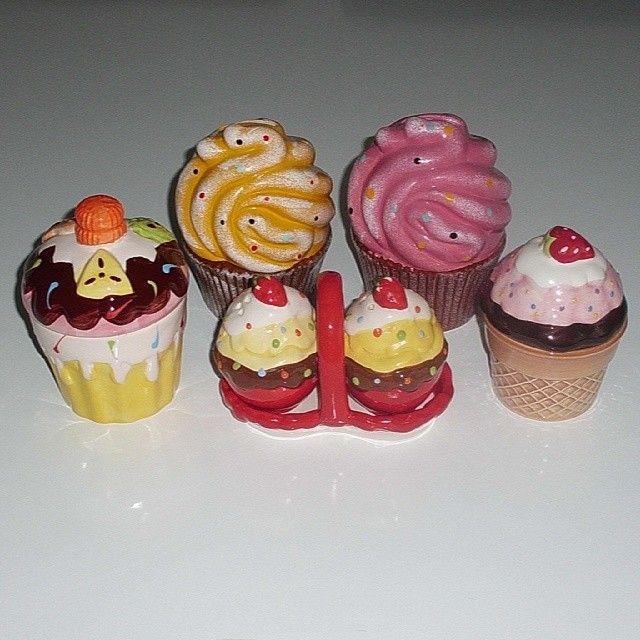 Cupcake serisi tamam ... #rengarenk #cupcakes #cupcake #cupcakeli #kavanoz #tuzluk #biberlik #kumbara #euroflora #tantitoni #morhipo
