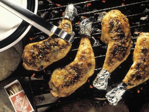 Gegrillte Hähnchenschenkel ist ein Rezept mit frischen Zutaten aus der Kategorie Hähnchen. Probieren Sie dieses und weitere Rezepte von EAT SMARTER!