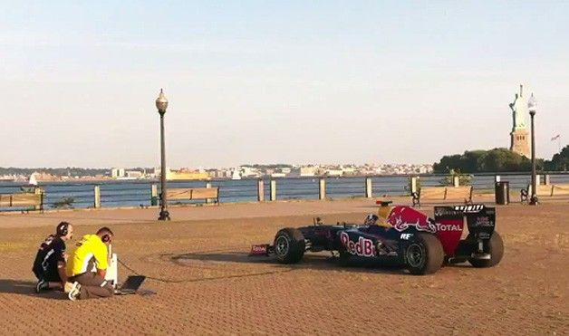 Infiniti Red Bull Racing F1 car plays The Star-Spangled Banner