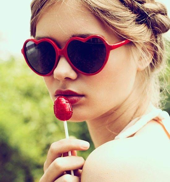 Heart Glasses! 8 paires de lunettes de soleil qui te donneront la fièvre du printemps! | NIGHTLIFE.CA