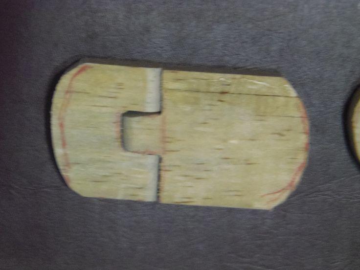 corte en madera para pies de marioneta