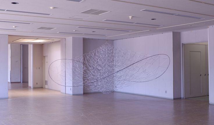 Akane Yorita, The Tender Noise, rayon threads, plastic pole, stainless steel pipe, H110xW300xD280, 2014