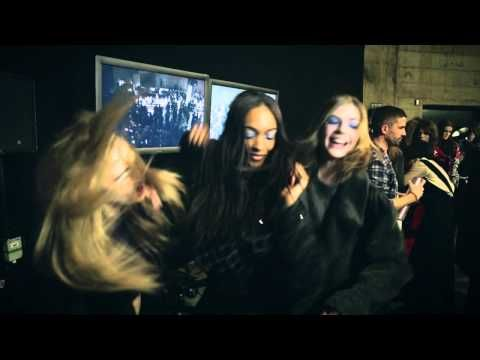 Just when I thought I was sick of the Harlem Shake vids I saw this..  Cara, Rosie and Jourdan backstage at Topshop Unique AW13