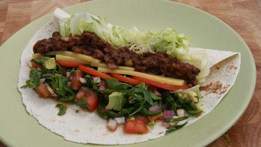 Mexican soft tortilla tacos, spiced beef, salsa