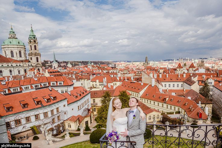 Red roofs of Prague photo! Enjoy amazing views and lovely couple at the wedding day in Prague. Professional photos take by Artur Jakutsevich — wedding photographer. http://arturjakutsevich.com