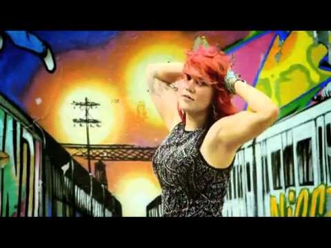 "CSS Lovefoxxx Video Still ""City Grrrl"""