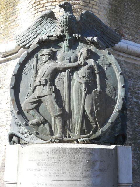 Mole Vanvitelliana - Lapide ai finanzieri Grassi e Maganuco