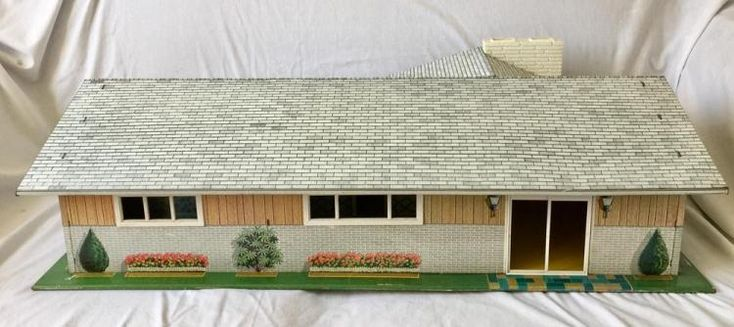 Vintage 1950's Marx Metal Litho Mid Century Ranch Large Doll House
