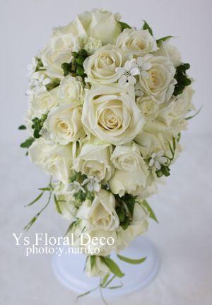 2月にヒルトン東京さんで挙式ご披露宴の新婦さんより、当日のお写真をいただきましたので、ご紹介します。新婦さんにお花をささげてプロポーズされている新郎さん☆...