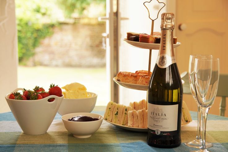 High Tea at West Pusehill Farm Cottages, North Devon, Devon, Holiday cottages, prosecco, self catering, pet friendly