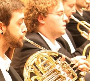 """""""Blasorchesterleitung"""" studieren - Würzburg - Bislang gab es noch nicht den richtigen Studiengang für dich? Vielleicht hat die Hochschule für Musik in Würzburg ihn jetzt geschaffen."""