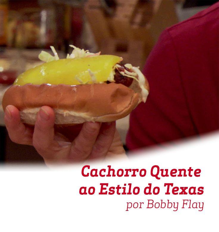 Uma deliciosa receita de  Cachorro Quente criada por Bobby Flay.