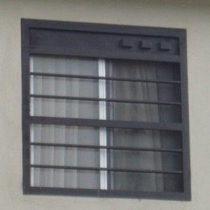 fotografa de diseo de de ventanas elaboradas con rejas de herrera y barrotes