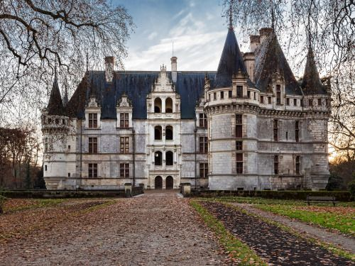 allthingseurope: Chateau d'Azay-le-Rideau, France (by Thierry OLLIVIER)