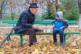 Znalezione obrazy dla zapytania chłopiec gra w szachy