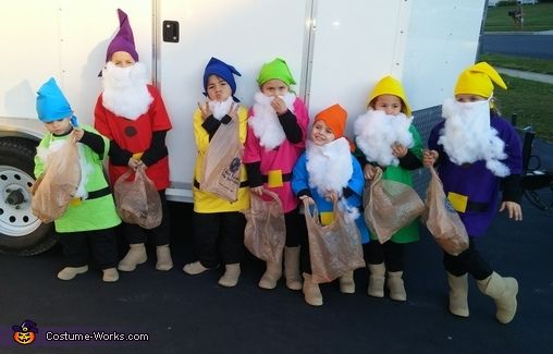 Heather: A friend of mine wanted to make my kids costumes so I agreed. She is the one who came up with the idea of the 7 dwarfs as my 7...
