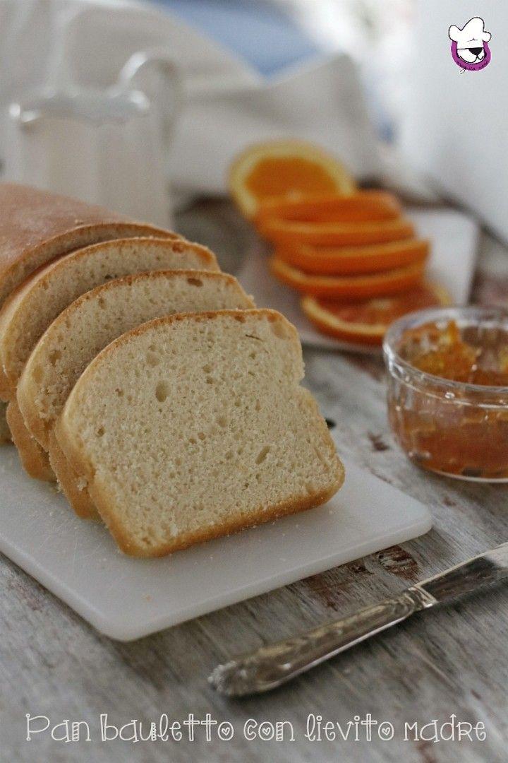 #ricettadelgiorno PAN BAULETTO CON LIEVITO MADRE Soffice e semi dolce. Genuino e gustoso ; perfetto abbinato sia al dolce che al salato, ottimo anche per preparare toast o sandwich. E , visto le imminenti belle giornate, perfetto per pic nic o pranzi al sacco http://blog.giallozafferano.it/sognandoincucina/pan-bauletto-lievito-madre/